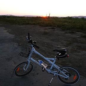 新年最後一天的假期 之 單車小白